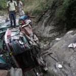 Camion di pellegrini ribaltato in India