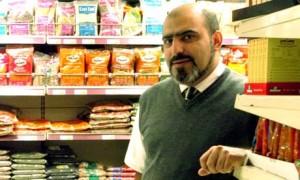 Abdul Arain, il negoziante di frutta e verdura che si è candidato a diventare Cancelliere dell'Università di Cambridge