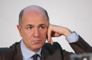L�ex ministro Passera: �Centrodestra schiavo di Renzi�
