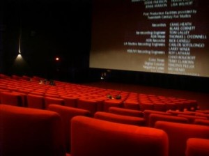 interno_di_un_sala_da_cinema1-300x224
