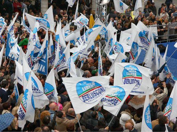 berlusconi piazza del popolo