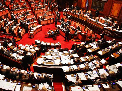 Capipopolo extraparlamentari: Grillo, Berlusconi e Renzi