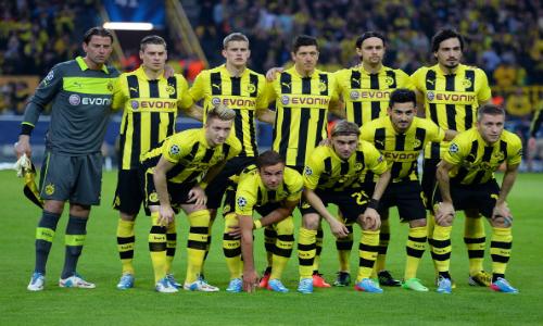 In piedi da sinistra: Weidenfeller, Piszczek, Bender, Lewandowski, Subotic, Hummels. In basso da sinistra: Reus, Götze, Schmelzer, Gündoğan, Blaszczykowski