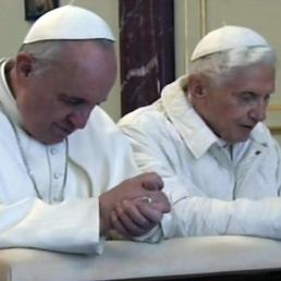 papa francesco papa ratzinger vaticano