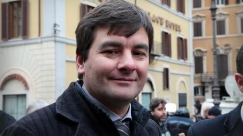 Battibecco acceso tra distefano m5s pilozzi sel for Assistenti parlamentari m5s