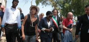 kyenge visita in puglia contro razzismo e discriminazioni