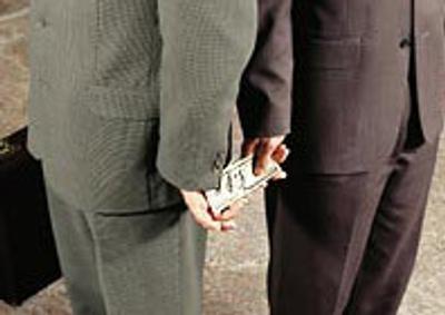 Commissione europea, in Italia corruzione pari a 60 miliardi