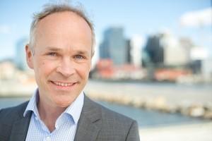 Jan Tore Sanner è nato a Bærum nel 1965