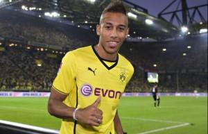 Ottimo inizio di Bundesliga per il Dortmund (0-4 ad Augsburg) e per il suo neo acquisto Aubameyang (tripletta all'esordio)