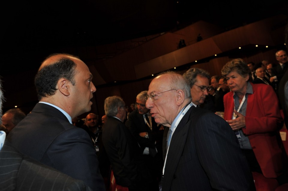 Riforme, Confalonieri smentisce inciucio Renzi Berlusconi