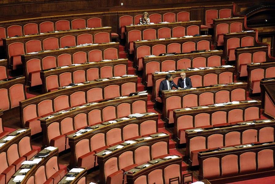 i dodici senatori assenti al senato