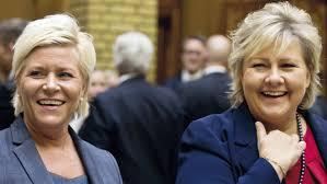 Siv Jensen (a sinistra) insieme a Erna Solberg