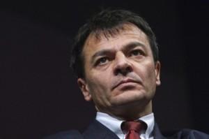 fassina resto al governo dopo minaccia di dimissioni