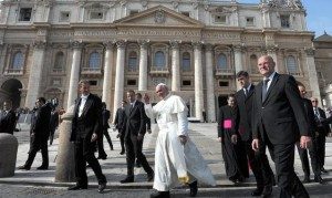 papa bergoglio intercettato prima del conclave dalla nsa