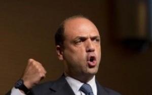 """Alfano minaccia la crisi: """"Lasciamo il governo se propongono i matrimoni gay"""""""
