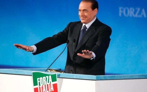 decadenza Forza Italia in piazza Berlusconi