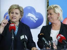 Il primo ministro norvegese Erna Solberg (a sinistra) con Siv Jensen, ministro delle Finanze