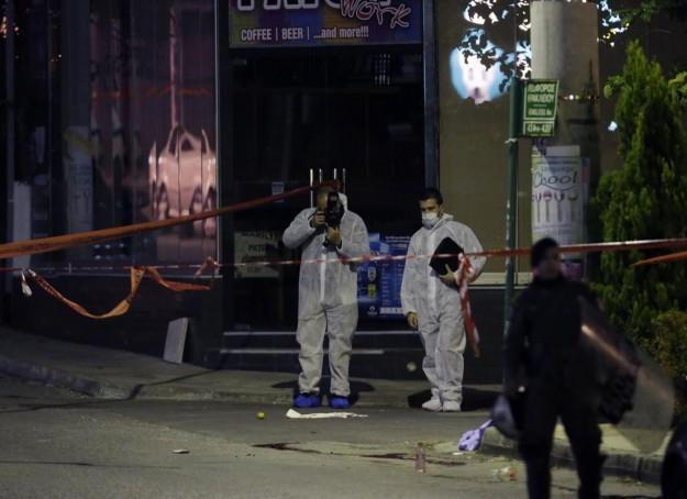grecia atene sparatoria morti due militanti alba dorata