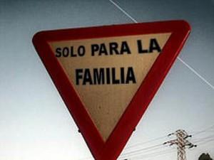 parentopoli 5 stelle solo para familia