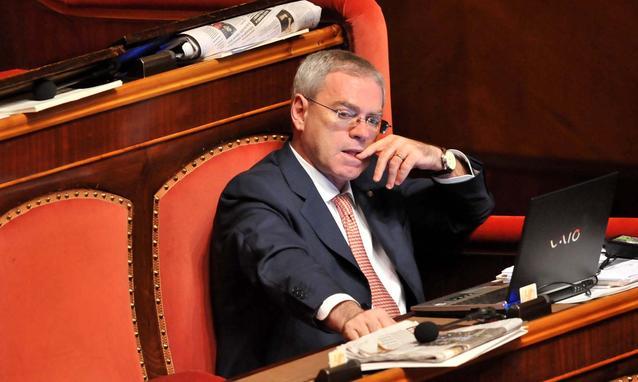 Berlusconi decaduto, subentra Ulisse Di Giacomo