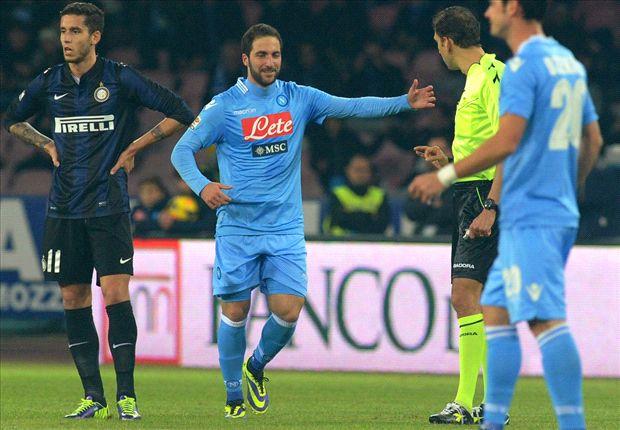 Il Napoli batte l'Inter del grande ex Mazzarri