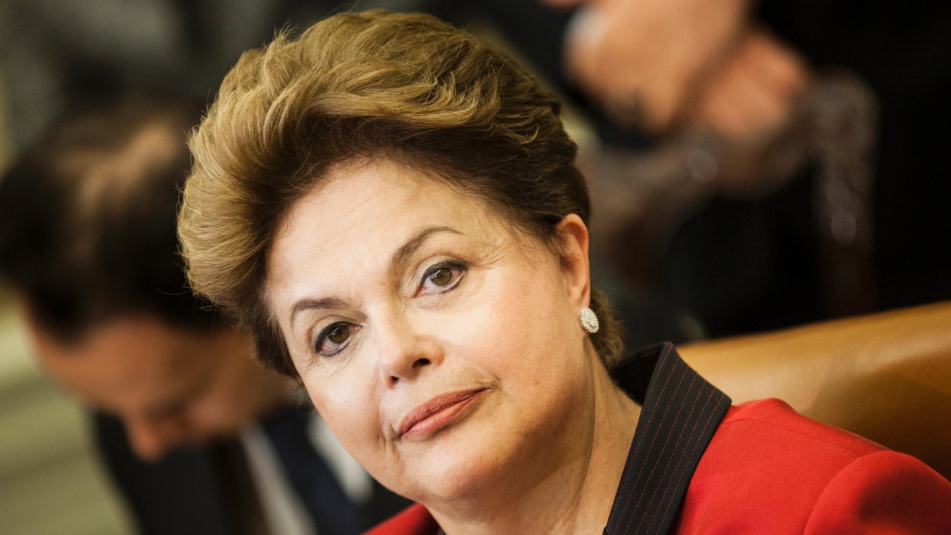Dilma Roussef brasile reddito minimo