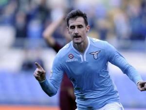Ritorna Miro Klose e salva Petkovic.