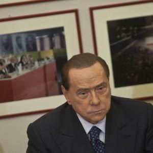 """Berlusconi a presentazione libro su Craxi """"Finirò di leggerlo in galera"""""""