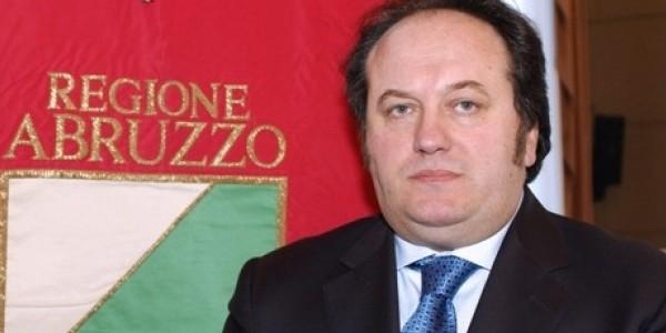 Abruzzo, assessore regionale mette sotto contratto segretaria per sesso