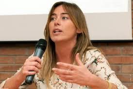 Pd maria elena boschi col m5s confronto complicato for Parlamentari donne