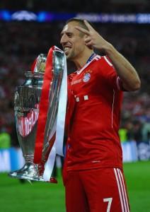 Ribery festeggia la vittoria della Champions League.