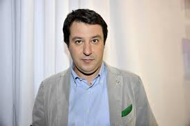 Lega, Salvini contro migranti giornalisti e coppie gay