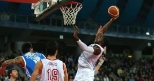 Anosike, non sono bastati i suoi 25 punti a Pesaro.