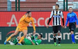 Luca Toni abbatte l'Udinese