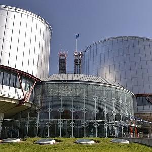 Strasburgo condanna Italia Cognome madre ai figli e un diritto