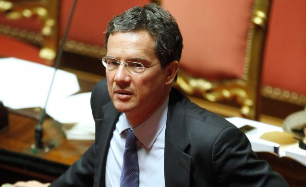 Governo pronto a cancellare il 'Superbollo'