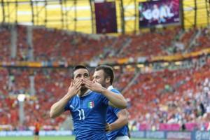 Di Natale festeggia dopo il gol segnato alla Spagna durante Euro 2012