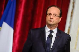 François Hollande risponde alla stampa