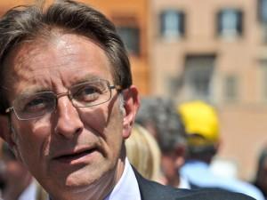 L'Aquila, il sindaco Massimo Cialente ritira le dimissioni