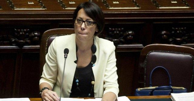 M5S presenta mozione di sfiducia De Girolamo