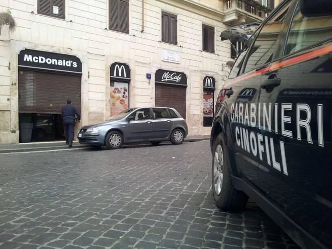 Roma, allarme bomba al McDonalds di piazza di Spagna