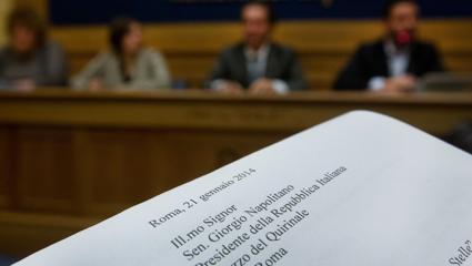 """Da parte del Movimento 5 Stelle """"non ci sarà nessun passo indietro"""" sulla richiesta di impeachment e attacca sul dl Imu Bankitalia"""
