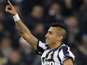 Il guerriero Vidal è l'autore della rete che porta in vantaggio la Juventus.