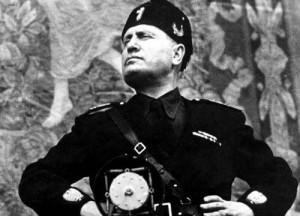 Rivoli, consigliere 5 Stelle fa revocare la cittadinanza onoraria a Mussolini