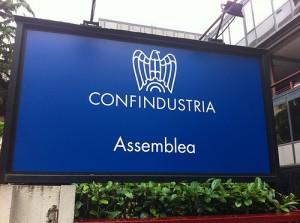 Stime Confindustria: Italia fuori recessione nel 2015 ma sale disoccupazione