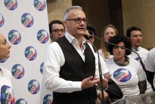 Politica italiana, Mauro lancia i Popolari per 'Italia