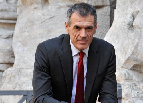 spending review, cottarelli combatte sprechi di stato