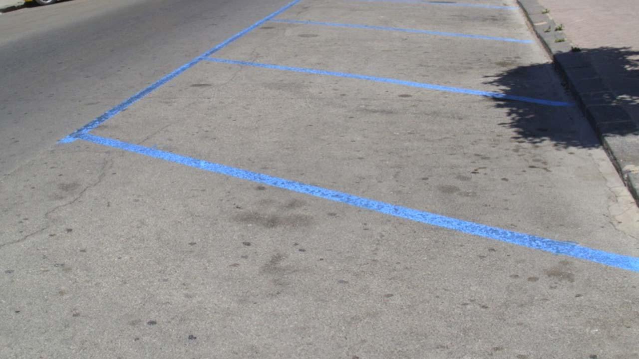 fassino strisce blu