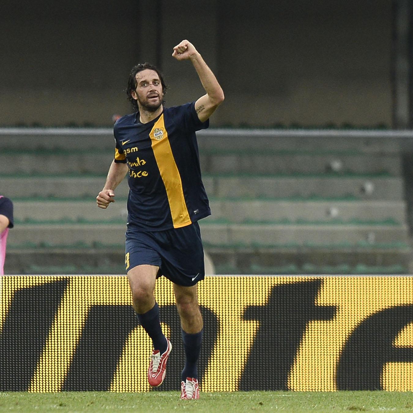 Toni bomber record per il Verona in A