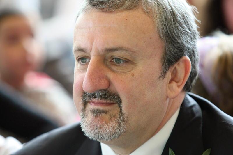 michele emiliano ritira candidatura elezioni europee offeso con renzi